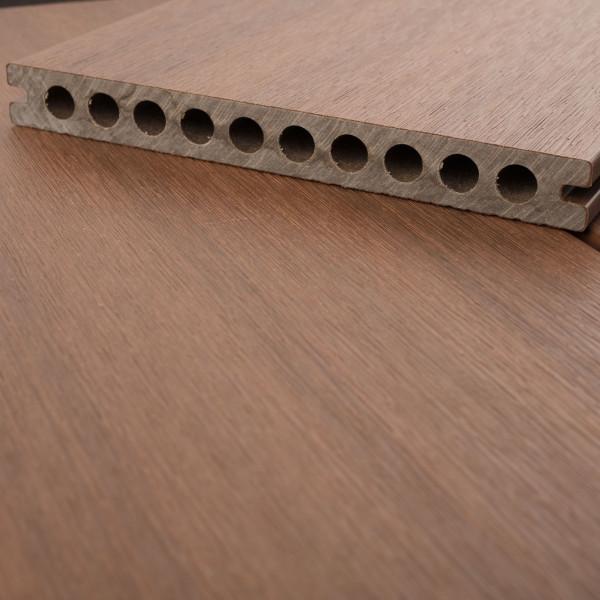 FANO WPC UltraShield XL Terrassendiele Hohlkammer mit Schutzmantel Ipe, gebürstet