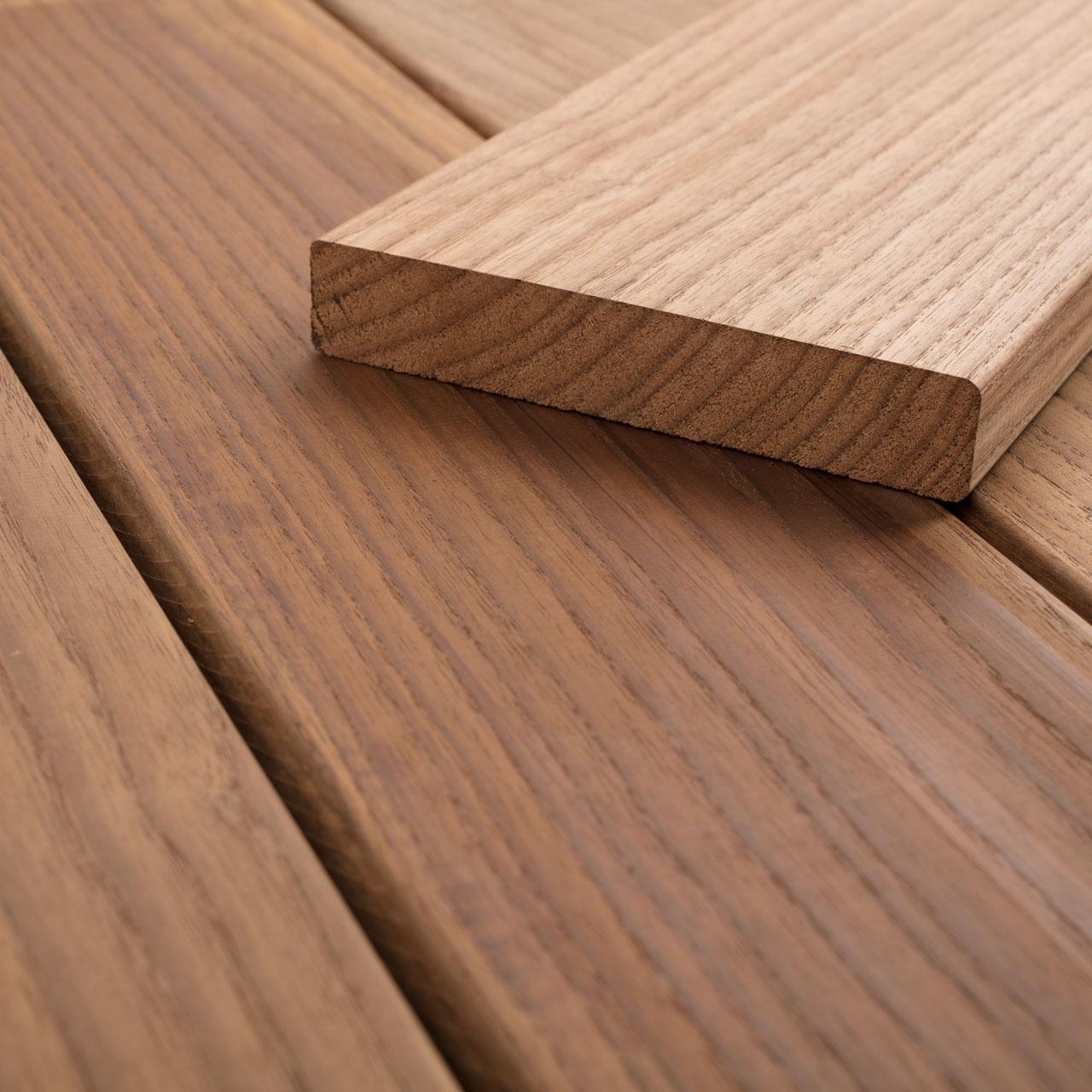 Terrassendielen Sibirische Lärche glatt grob fein 27x145mm 2,5m 4m Holz Bretter
